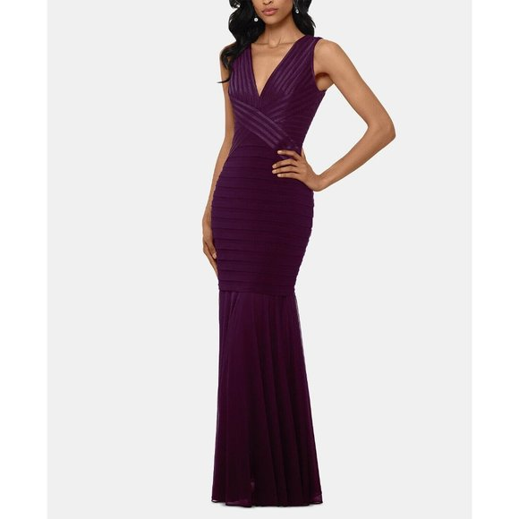 Betsy & Adam NEW V-Neck Fitted Bandage Gown